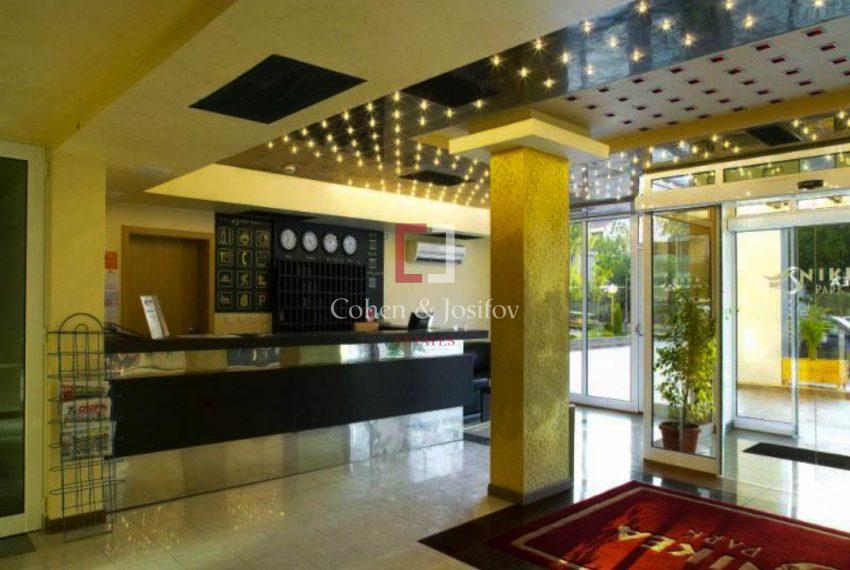Nikea-park-lobby-reception