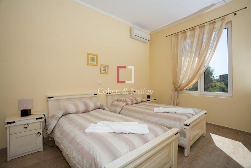 11_Twin bedroom_1