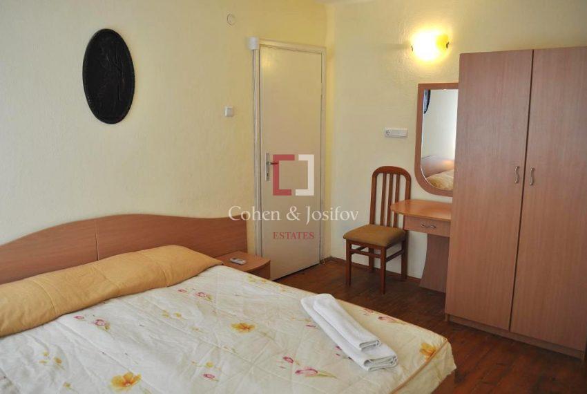 12_Double bedroom 3