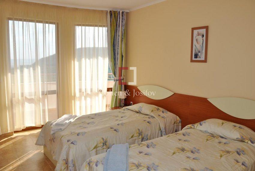 12_Twin bedroom 1