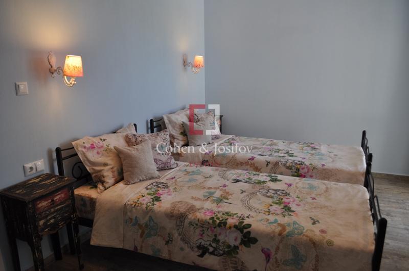 13_Blue bedroom