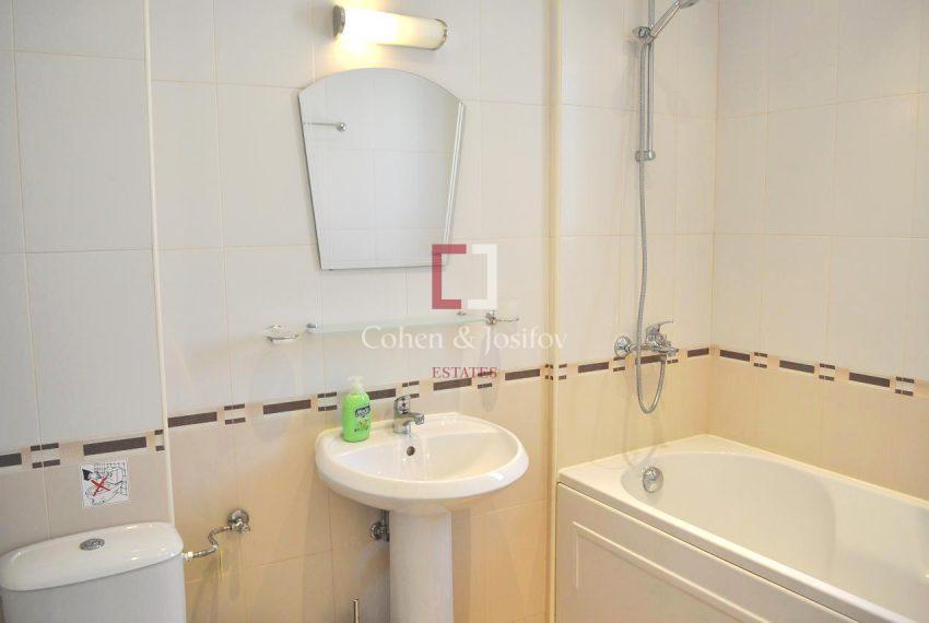 13_Twin bedroom 1 Bathroom