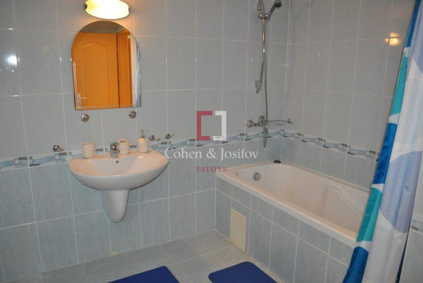 17_Bathroom