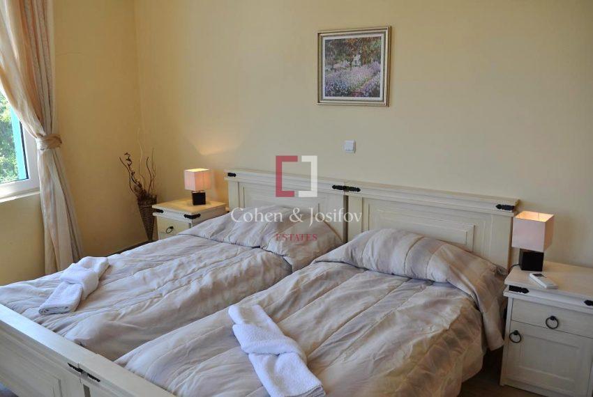 17_Twin bedroom_2