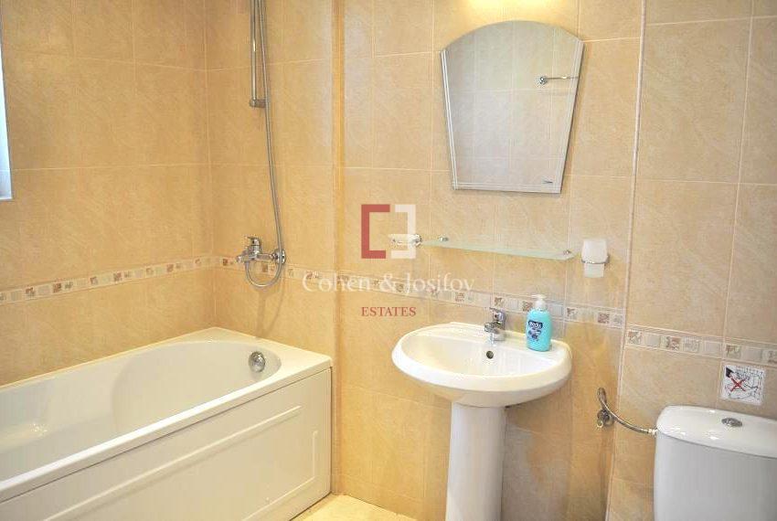 18_Twin bedroom 2 bathroom