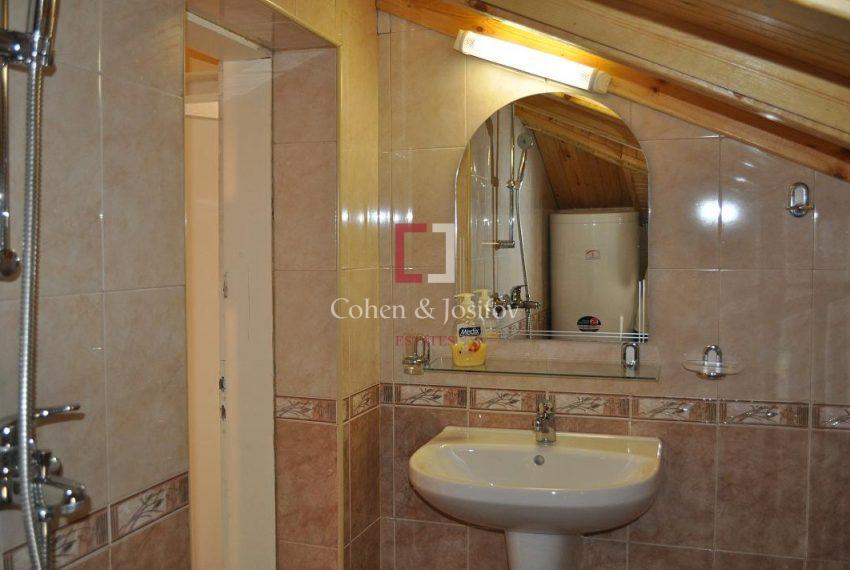 19_Second floor shower-room