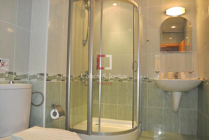 20_Shower-room 2