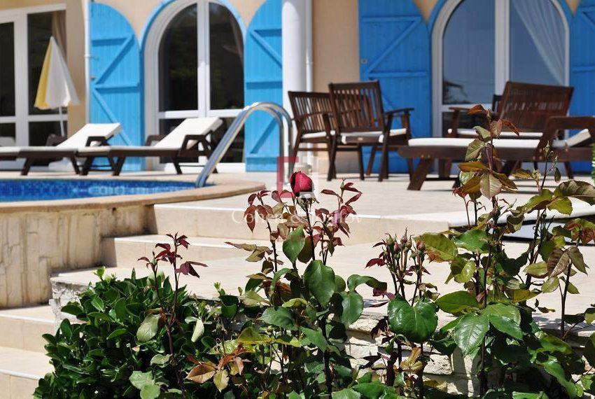 23_Garden furniture