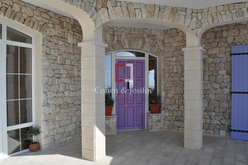 30_Villa Lavandin entrance