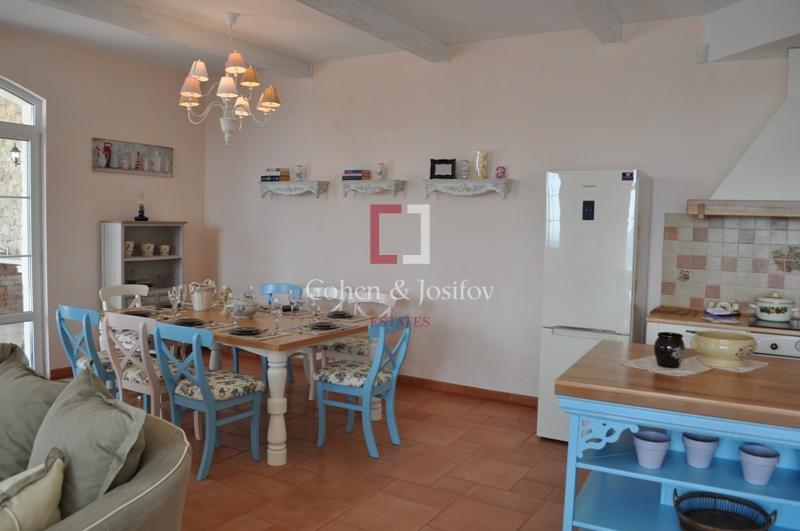 5_Dining area