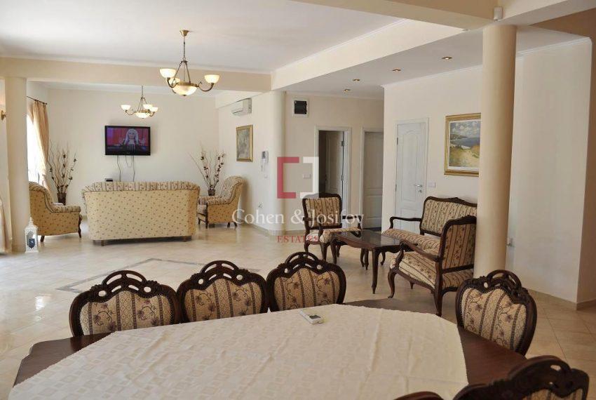 9_Living room again