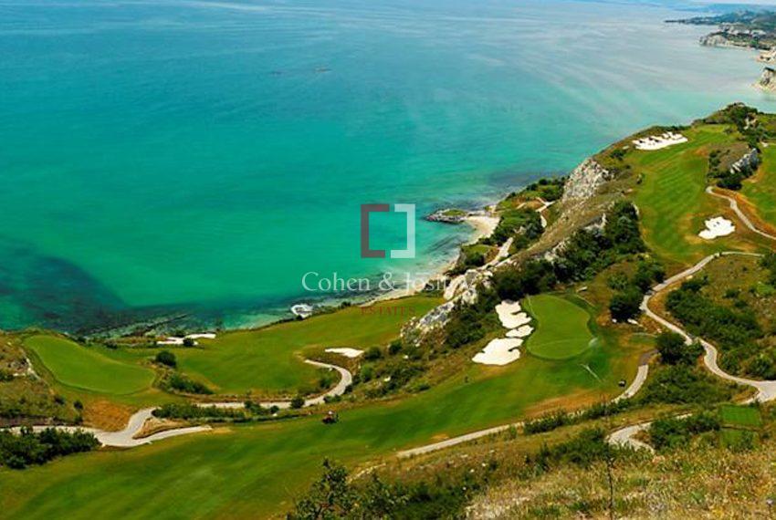 thracian-golf-house00