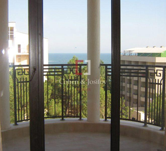 apartment-golden-sands7-2
