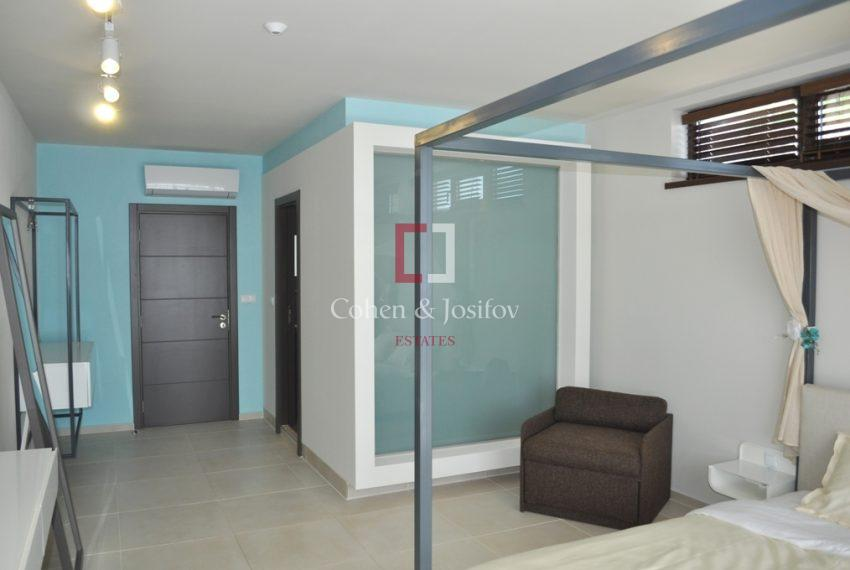 13_Double bedroom with enclosed shower-room
