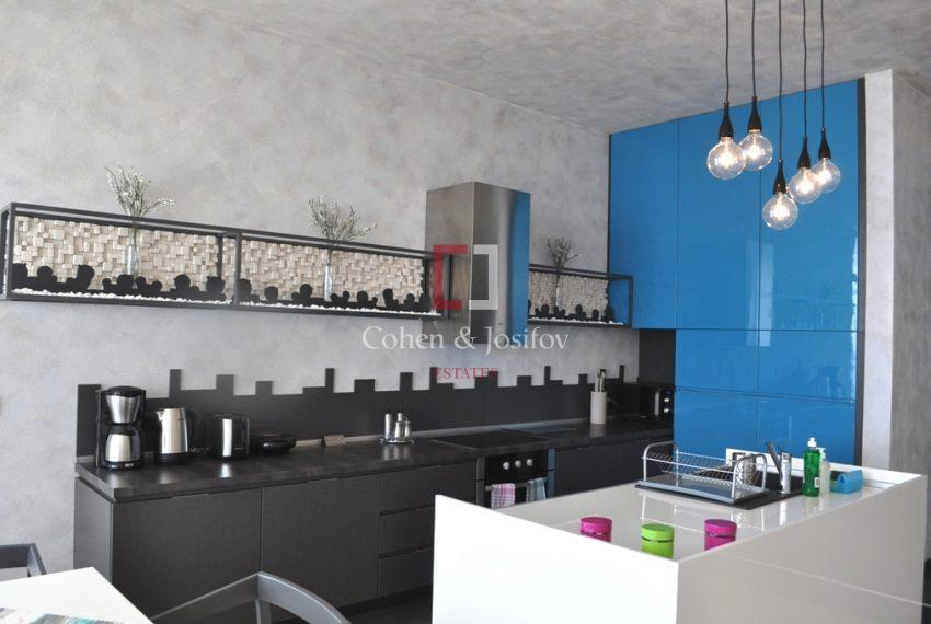 4_Open plan kitchen area