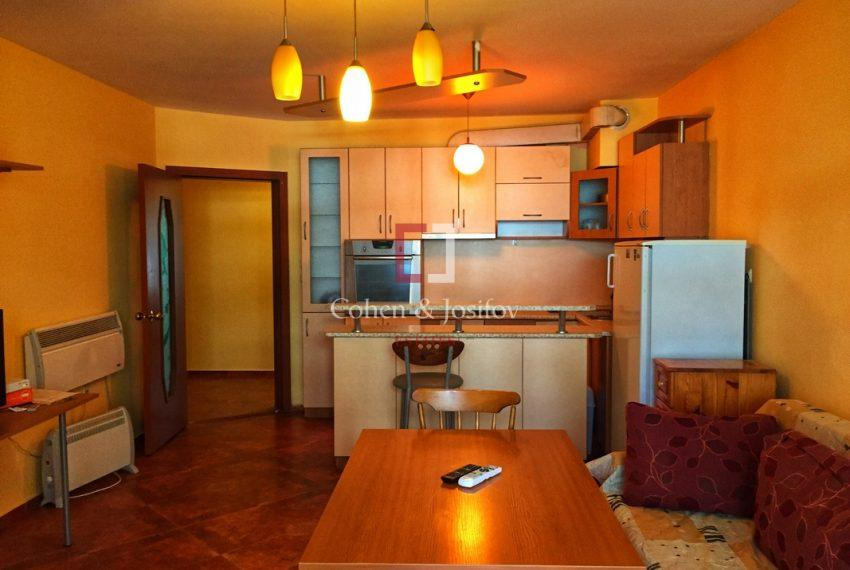 tristaen-apartament-naem-idealen-centyr-varna6