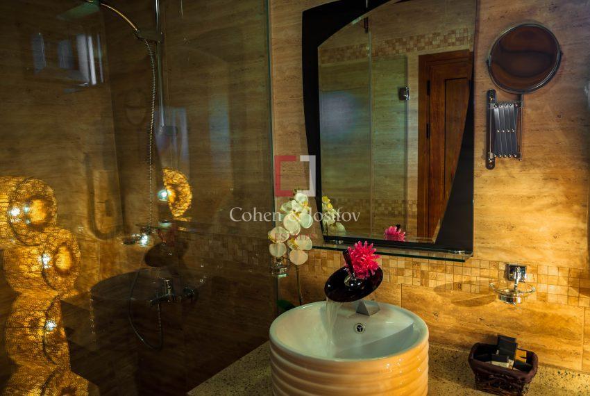 Хотелска част баня и тоалетна т.1